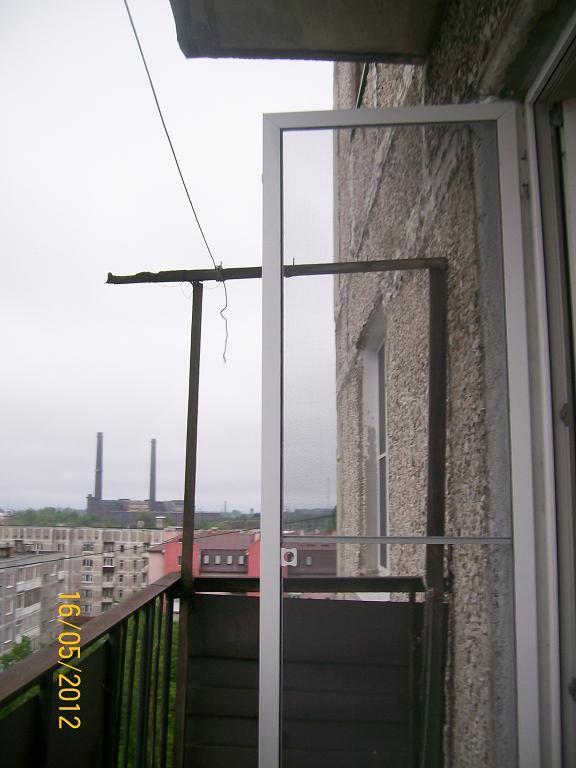 Как установить москитную на пластиковую балконную дверь..